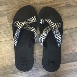 Brand new women's Teva slide on sandals